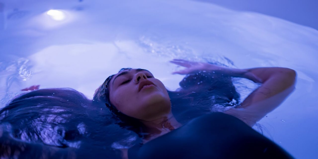Floating – a natural way of tripping
